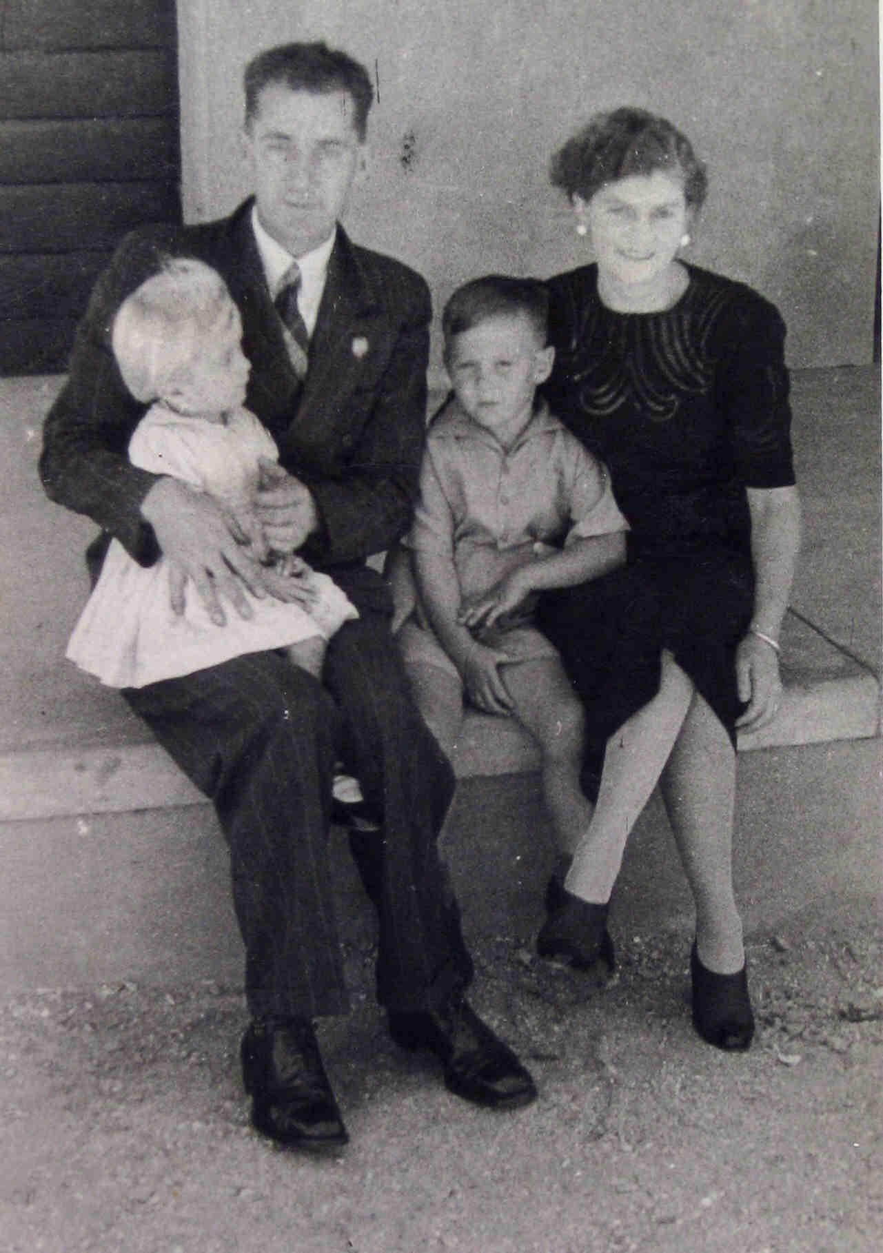 Descendants of Peter Lewis